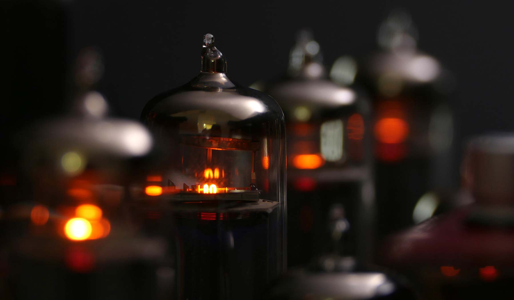 Retro Stereo 50 by iFi audio | Integrated Tube Amplifier with Bluetooth